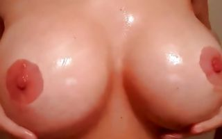 Impressive amateur bitch nicely playing with big round tits
