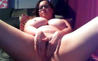 Fat whorish bitch in glasses has a big effective vibrator